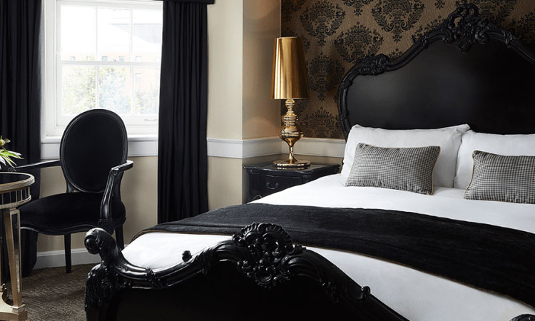 King George Junior Suite at The Westbridge Hotel London