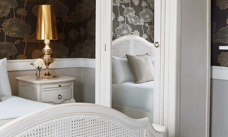 Queen Anne Junior Suite at The Westbridge Hotel London